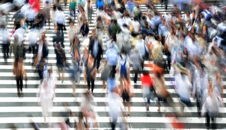 pedestrians-400811_1920_740x425_acf_cropped